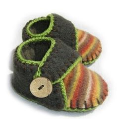 Love this! Turn your old sweater into gorgeous baby booties! I need to learn how to do this and make something to actually fit Rocco's giant feet!