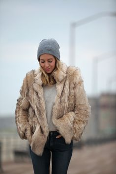 Faux Fur: Topshop via Nordstrom (great faux fur option here) Brooklyn Blonde, Winter Wear, Autumn Winter Fashion, Nordstrom Jeans, Winter Stil, Fur Fashion, Casual Chic, What To Wear, Style Me