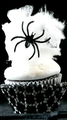 How to make Spider Web Cupcakes Recipe ~  with cotton candy