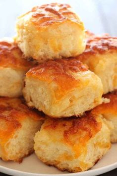 The BEST! I can't even count how many people asked for this recipe! 2019 The BEST! I can't even count how many people asked for this recipe! The post The BEST! I can't even count how many people asked for this recipe! 2019 appeared first on Rolls Diy. Cheddar Potatoes, Cheddar Biscuits, Cheddar Bread Recipe, Cheddar Cheese, Cheese Potatoes, Baked Potatoes, Queso Cheddar, Cheese Biscuits, Russet Potatoes