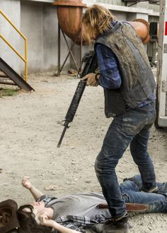 Negan, Carl and Dwight in The Walking Dead S7E07 'Sing Me a Song' #twd
