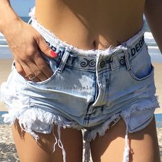 Short Jeans Feminina, Jean Short Outfits, Look Con Short, Short Sleeve Tunic Tops, Diy Shorts, Cut Off Jeans, Hot Pants, Girls Jeans, Short Skirts