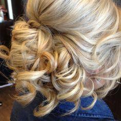 Gorgeous wedding hair :)