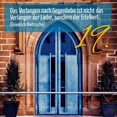 ZItat zum Advent von  Friedrich Nietzsche, Kirchentüre: Kloster Heiligenbronn Schramberg in Baden-Württember