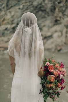 """Bright and vibrant bridal bouquet by @natrosie, New Zealand florist  