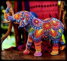 Love will draw an elephant through a key-hole. By: Elefante ! Photo Elephant, Deco Elephant, Elephant Love, Mandala Elephant, Colorful Elephant, Happy Elephant, Elephant Design, Mandala Painting, Dot Painting