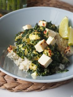 Lunches And Dinners, Palak Paneer, Food Inspiration, Feta, Good Food, Food And Drink, Cheese, Cooking, Ethnic Recipes