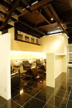 Beauty salon interior design ideas | + hair + space + decor + designs + Tokyo + Japan | Follow us on https://www.facebook.com/TracksGroup   <<<【YUME・YUI シャンプーエリア】間接照明でリラックスできる空間に。 美容室 内装
