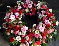 Bildergebnis für trauerkränze rosen