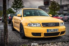 Yellow Audi RS4 B5