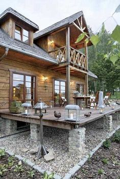 ➤ 61 Most Inspiring Modern Dream House Exterior Design Ideas 55 Small Cottages, Cabins And Cottages, Best Tiny House, Small House Plans, Rustic Exterior, Exterior Design, Cabin Homes, Log Homes, Small Cottage Designs