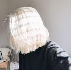 ✩ & more ★ https://fr.pinterest.com/miaprimeau/ #hair #grunge #white