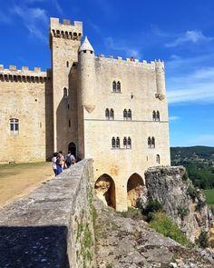 Château de Beynac, Beynac et Cazenac Architecture Antique, Lascaux, Beaux Villages, Limousin, Manor Houses, World Cities, City Landscape, French Countryside, Palaces
