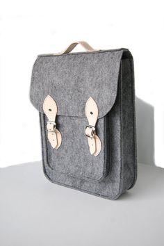 """Vertical backpack Macbook Pro 15 inch, felt satchel, Custom size, Laptop 15"""" bag with leather straps and belt shoulder"""