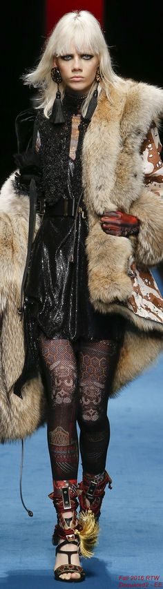 Fall 2016 Ready-to-Wear Dsquared2 - EE