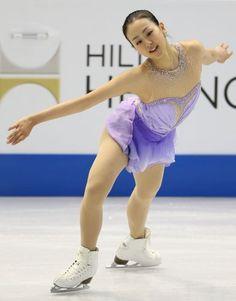 フィギュアスケートGPシリーズ開幕戦スケートアメリカの女子SPで1位となった浅田の演技=米国ミシガン州デトロイトのジョー・ルイス・アリーナで2013年10月19日 (392×500) http://mainichi.jp/feature/news/20131020org00m050002000c.html