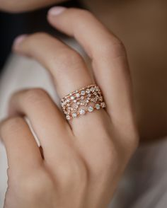 A rose gold stack to warm up the evening! Upon A Star Many Moons Petite Diamond Distance Lace Edge and Diamond Distance- each have their own style that comes together so perfectly. Find more stacking photos at melaniecasey.com!