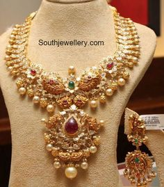 Uncut Diamond Necklace latest jewelry designs - Page 5 of 112 - Indian Jewellery Designs Indian Jewellery Design, Latest Jewellery, Jewelry Design, Jewellery Sale, Indian Wedding Jewelry, Indian Jewelry, Bridal Jewelry, Indian Bridal, Indian Bangles