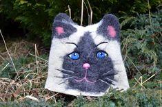 Купить Банная шапка Черно-белая кошечка - чёрно-белый, кот, кошка, валяная шапка