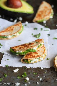 Made this with avocado, hummus, refried beans and some cheese. Mini Avocado & Hummus Quesadilla Recipe {Healthy Snack}- some of my favorite foods: hummus & avocado! Avocado Hummus, Avocado Quesadilla, Quesadillas, Healthy Quesadilla, Guacamole, Mexican Food Recipes, Vegan Recipes, Cooking Recipes, Healthy Snacks