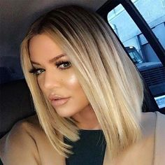 31 Lob Haircut Ideas for Trendy Women The 'Lob' or long-bob hairstyle is a timeless one. Some seriously strong women have rocked this super-chic look in the past and the just Khloe Kardashian Cabello, Khloe Kardashian Hair Short, Khloe Hair, Kardashian Hairstyles, Celebrity Hairstyles, Beauté Blonde, Short Blonde, Hair Cut Blonde, Blonde Dark Roots