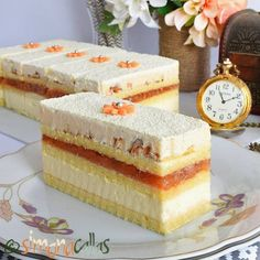 Tort Entremet cu ciocolata si visine simplu si rafinat - simonacallas Best Pastry Recipe, Pastry Recipes, Sweets Recipes, Cookie Recipes, Snickers Cheesecake, Cake Decorating Piping, Sweet Bakery, Biscuit Cookies, Mocca