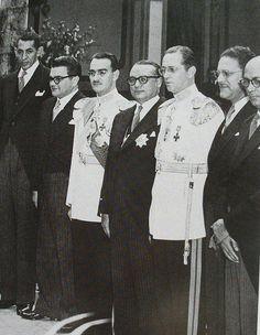 De derecha a izq: Raúl Leoni, Edmundo Fernández, Carlos Delgado Velutini, Romulo Betancourt, Mario Vargas, Gonzalo Barrios, Luís Beltrán Prieto Figueroa.