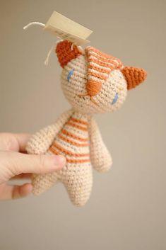 milasila / tyger Cute Crochet, Dinosaur Stuffed Animal, Christmas Ornaments, Toys, Holiday Decor, Animals, Home Decor, Activity Toys, Animales