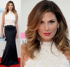2013-amas-red-carpet-daisy-fuentes-black-white-dress.jpg 620×591 pixels