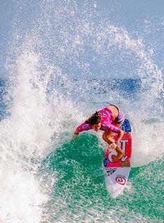 Tyler Wright... Best wipes for sports Go to hypergo.com #surf #hypergo #wave…