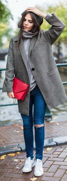 Oversized coat, turtleneck, + clutch POP.