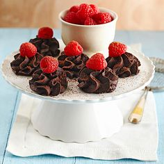 Healthy Dessert Recipes  Enjoy dessert and stick to your healthy eating plan with these refreshing dessert recipes. Each dessert has 200 calories or less but still tastes indulgent and satisfies your sweet tooth. By Sheena Chihak, RD Chocolate-Raspberry Truffles