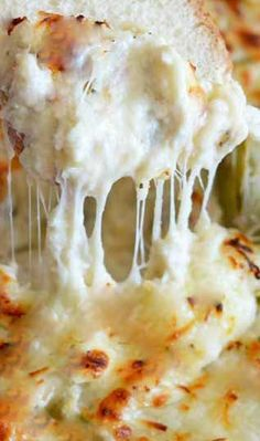 Cheesy Crab and Artichoke Dip