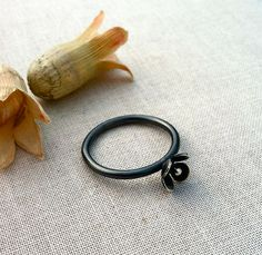 Hey, I found this really awesome Etsy listing at https://www.etsy.com/listing/177901558/oxidized-sterling-silver-flower-ring