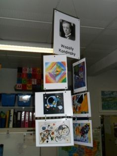 affichage arts visuels au plafond