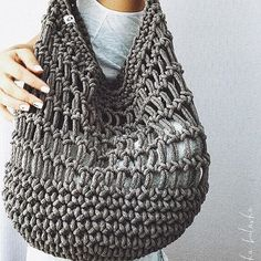 Marvelous Crochet A Shell Stitch Purse Bag Ideas. Wonderful Crochet A Shell Stitch Purse Bag Ideas. Crochet Market Bag, Crochet Tote, Crochet Handbags, Crochet Purses, Crochet Crafts, Knit Crochet, Mode Crochet, Crochet Shell Stitch, Crochet Stitches