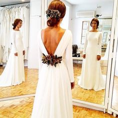 Simple wedding gown with plunging back, minimalist gown News 2019 - Wedding Invitations Trends 2019 - wedding dress wedding dress lace wedding decor wedding dress wedding dresses Minimalist Gown, Minimalist Dresses, Simple Wedding Gown Minimalist, Bridal Looks, Bridal Style, Simple Wedding Gowns, Elegant Wedding, Dress Wedding, Lace Weddings