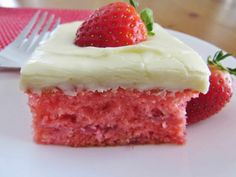 Fresh Strawberry Cake Recipe from The Country Cook. Vanilla cake mix with fresh strawberries and a cream cheese frosting. Vegan Birthday Cake, Cool Birthday Cakes, Birthday Ideas, Fresh Strawberry Recipes, Strawberry Cakes, Cool Whip, Chocolate Raspberry Cake, Baked Strawberries, Almond Cakes
