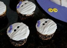 Holiday Recipes, Cupcakes, Halloween, Desserts, Food Ideas, Tailgate Desserts, Cupcake, Cup Cakes, Dessert