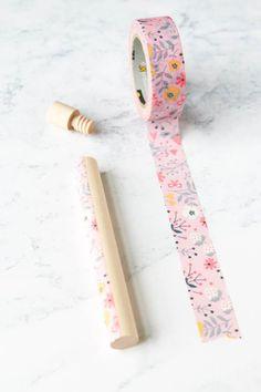 Make pretty needle storage tubes using washi tape Cross Stitch Maker, Cross Stitch Patterns, Embroidery Needles, Hand Embroidery, Types Of Stitches, Modern Cross Stitch, Paint Pens, Washi Tape, Hand Stitching