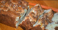reese's cream cheese banana bread will light up your breakfast menu! Cream Cheese Filled Banana Bread Recipe, Chocolate Cream Cheese, Cream Cheese Filling, Banana Bread Recipes, Chocolate Cheesecake, Just Desserts, Dessert Recipes, Drink Recipes, Yummy Recipes