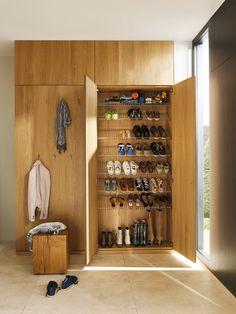 Ideas for ikea storage entryway closet Shoe Storage Solutions, Diy Shoe Storage, Ikea Storage, Closet Storage, Storage Ideas, Boot Storage, Style At Home, Shoe Cabinet Design, Ikea Cupboards
