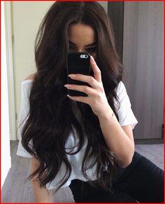 dark brown hair goals The Perfect Fall Hair Inspiration For Brunettes! Gorgeous Hair, Beautiful Brown Hair, Pretty Hairstyles, Layered Hairstyles, Dark Brown Hairstyles, Hairstyle Ideas, Brunette Hairstyles, Latest Hairstyles, Teenage Hairstyles