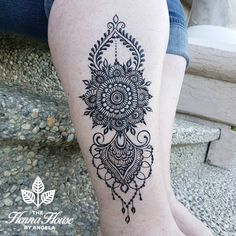 Perfect leg henna for the summer