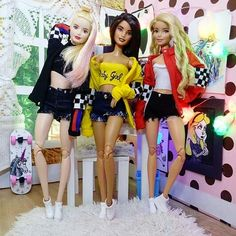 Sunday, day to have fun with the bestie ! Hello Barbie, Barbie Top, Barbie Model, Barbie Life, Barbie Dream, Barbie House, Dolly Fashion, Fashion Dolls, Doll Clothes Barbie