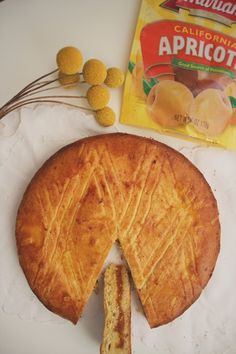 gâteau breton with apricot filling – Always Room For Round Cake Pans, Round Cakes, Apricot Filling Recipe, Apricot Cake, A Food, Food And Drink, Christmas Desserts, Cupcake Cakes, Cupcakes
