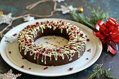 Kekszkoszorú Recept képpel - Mindmegette.hu - Receptek Doughnut, Birthday Cake, Desserts, Food, Raffaello, Tailgate Desserts, Birthday Cakes, Dessert, Postres