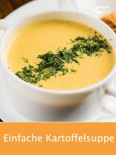 Das Rezept für eine cremige Kartoffelsuppe ist der Hit in der Küche: Einfach, .The recipe for a creamy potato soup is a hit in the kitchen: simple, quick and inexpensive is a filling dish conjured up. Potato Recipes, Lunch Recipes, Low Carb Recipes, Soup Recipes, Healthy Recipes, Cream Recipes, Vegetarian Recipes, Creamy Potato Soup, Vegetable Puree