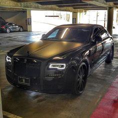 Black on Black Rolls Royce Ghost - @exclusivexfashion Courtesy of @thedarkestride