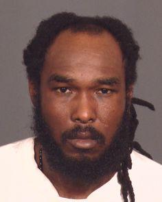 El sospechoso se escapó de la custodia de las autoridades este martes a las 5:30 a.m. La policía se encuentra en la búsqueda de un hombre identificado como Gerald Brooks (39)que se escapó de su custodia. El hombre se encontraba en el Departamento de Policía de NYC, en el 654 de la avenida Sheffield cuando…